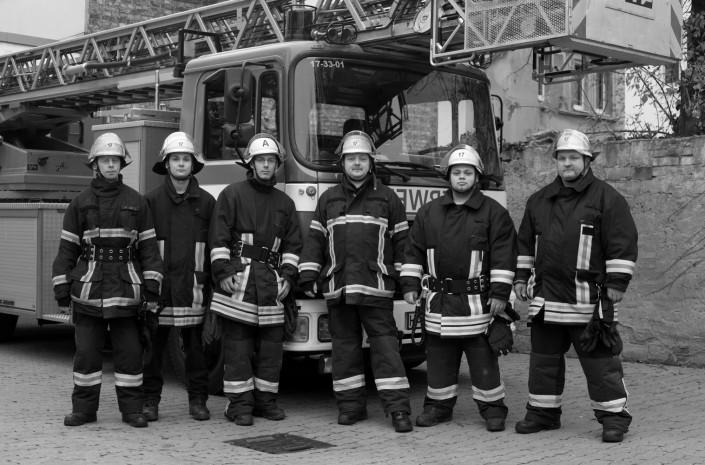 Mitglieder einer Freiwilligen Feuerwehr, 2013
