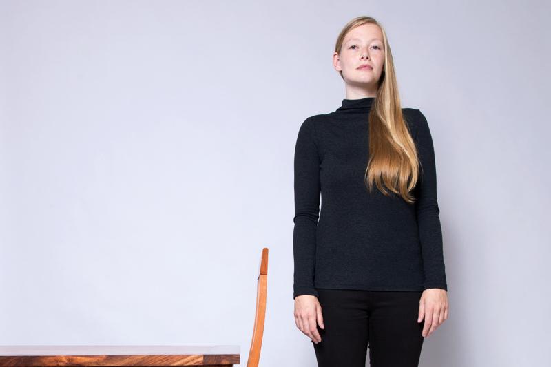 Anleitung - Sich an einen Tisch setzen - How to sit at a table