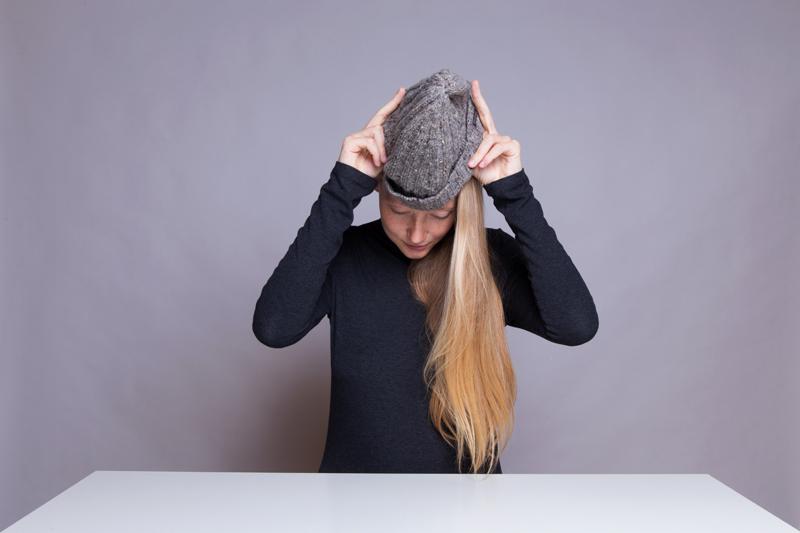Anleitung - Eine Mütze aufsetzen - How to put on a hat