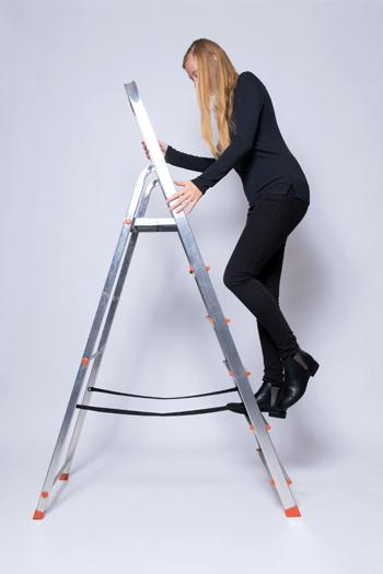 Anleitung - Auf eine Leiter steigen - How to climb a ladder