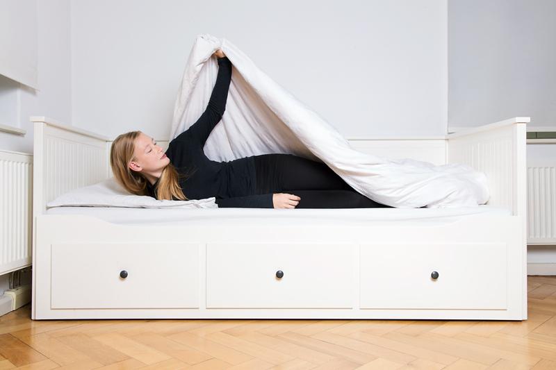Anleitung - aus dem Bett aufstehen - How to get out of bed